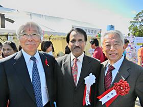 左:井戸敏三兵庫県知事